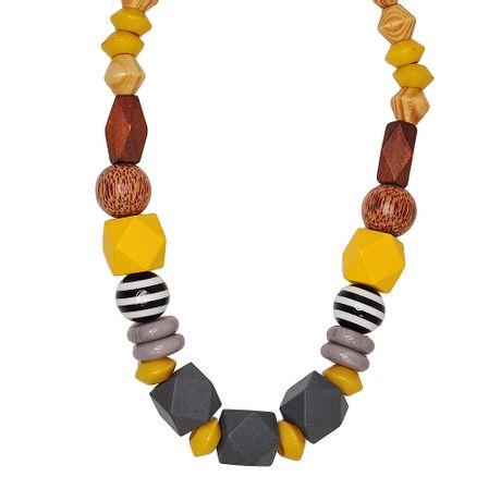 Colar-Pedras-Madeira-Cinza---0036721