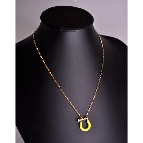 colar-dourado-lock-esmaltado-amarelo--00043671