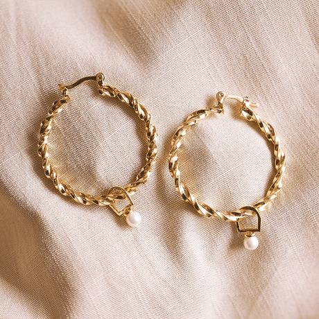 brinco-dourado-torcido-ouro-perola-argola-media