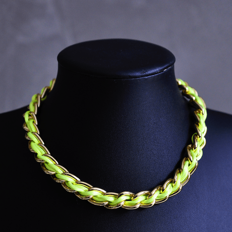 Colar-Dourado-Fio-de-Seda-Verde-Neon---00045851
